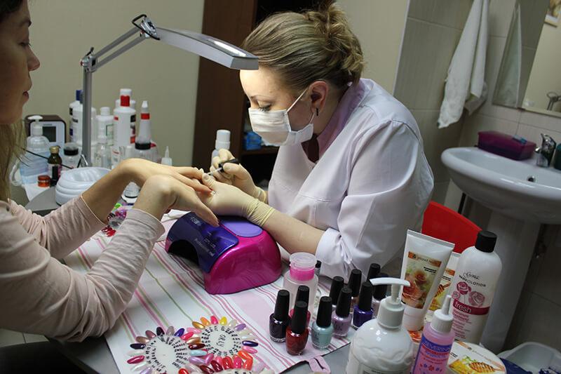 Маникюр в салоне красоты На Речной в Красногорске