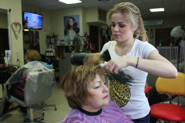 Стрижка и укладка волос в салоне красоты На Речной в Красногорске