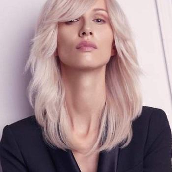 Окраска волос в салоне красоты На Речной в Красногорске. Цвет клубничный блонд