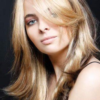 Окраска волос в салоне красоты На Речной в Красногорске. Двухцветный эффект