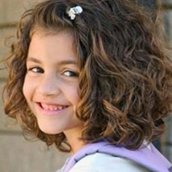 3 Стрижки для девочек на волосы средней длины. Салон На Речной в Красногорске