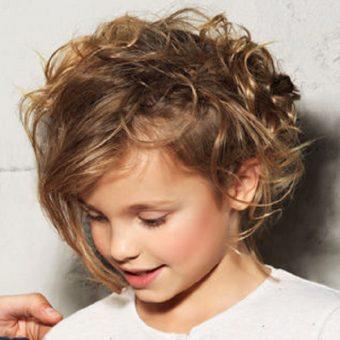 4 Стрижки для девочек на волосы средней длины. Салон На Речной в Красногорске