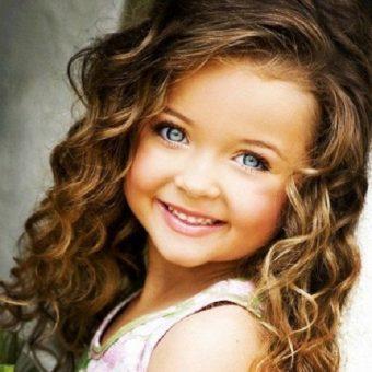 1 Стрижки для девочек на длинные волосы. Салон На речной в Красногорске