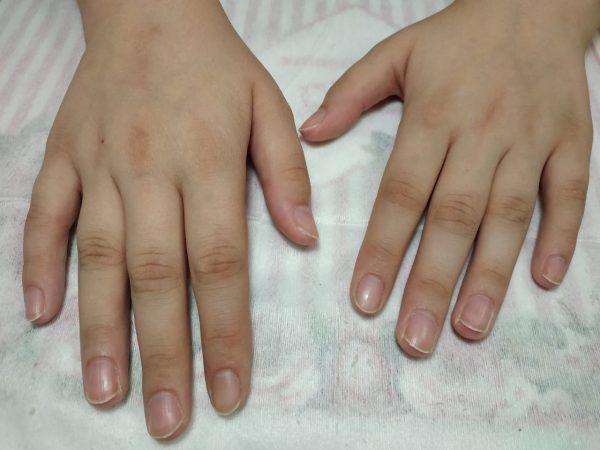 Общий вид рук после выполненного маникюра, ногти подготовлены к наращиванию, салон красоты На Речной в Красногорске