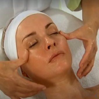 1. Классический массаж лица в салоне красоты На Речной в Красногорске